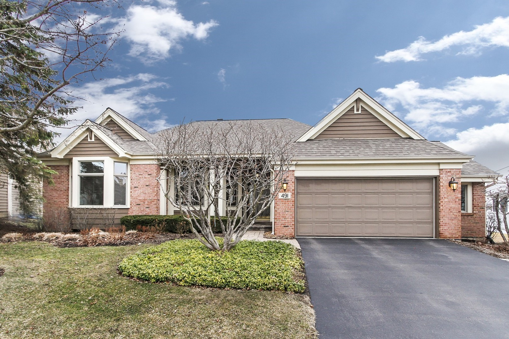 491 Vintage Drive, Lake In The Hills, IL 60156