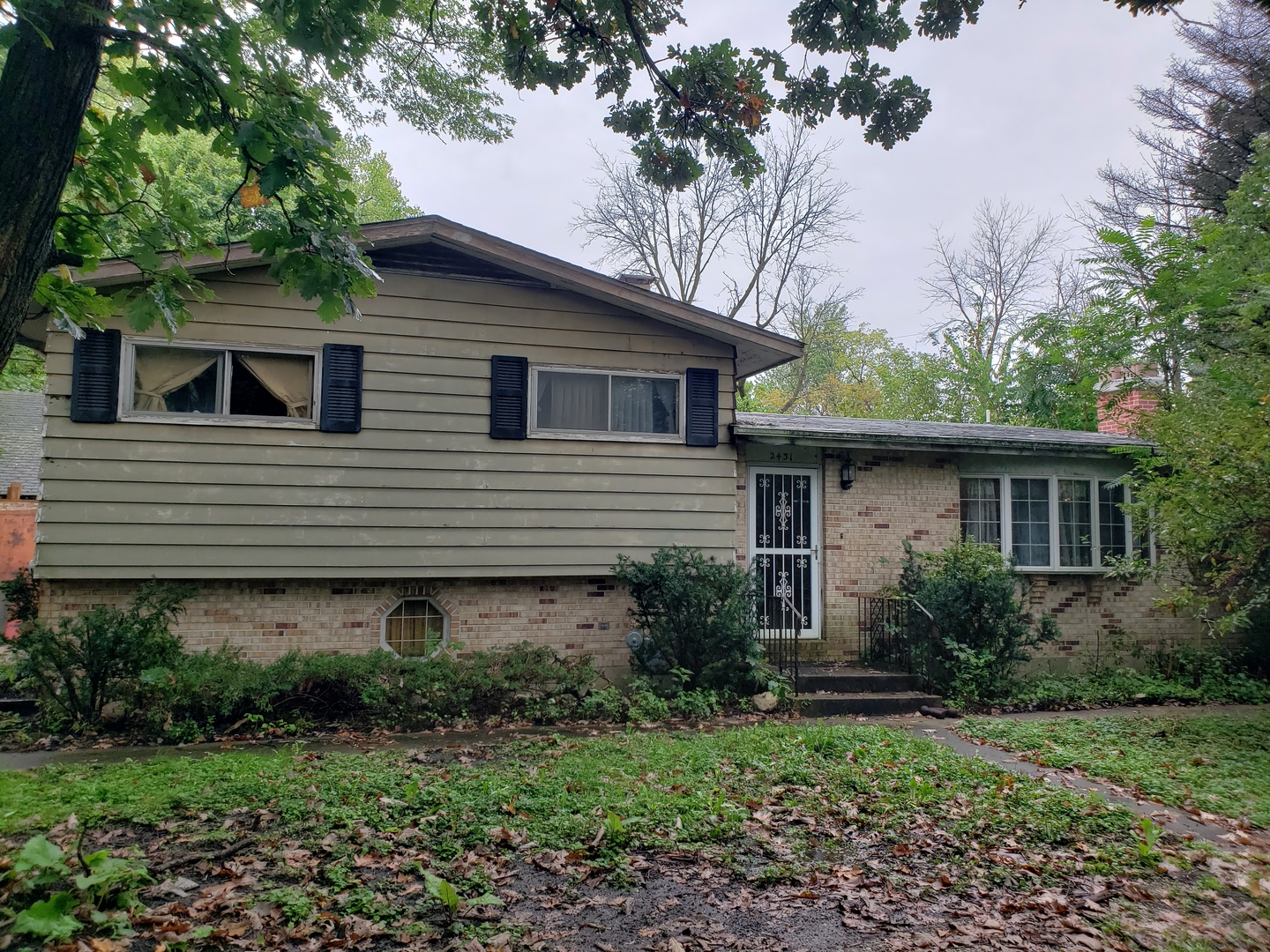 2431 Highwood Road, Mchenry, IL 60051