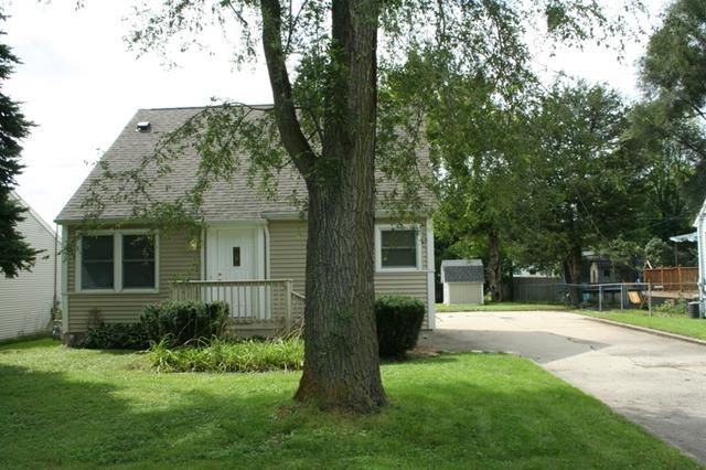1611 Pleasant Avenue, Mchenry, IL 60050