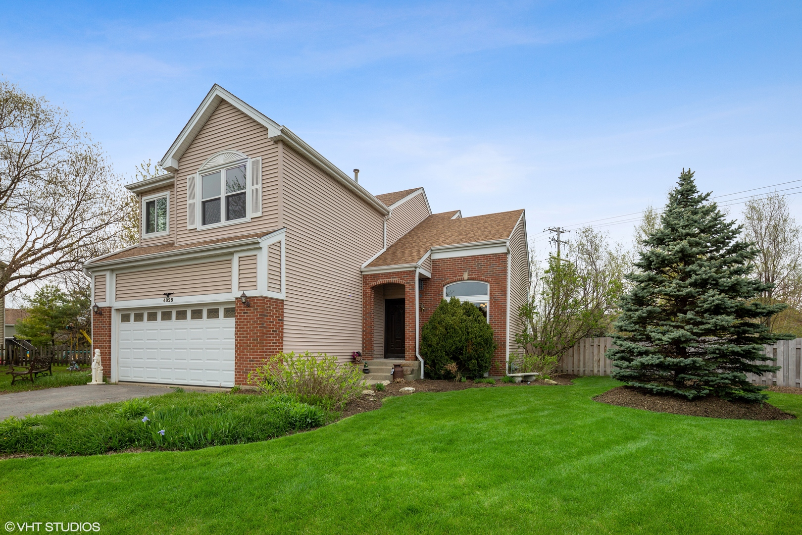 4025 Springlake Court, Lake In The Hills, IL 60156