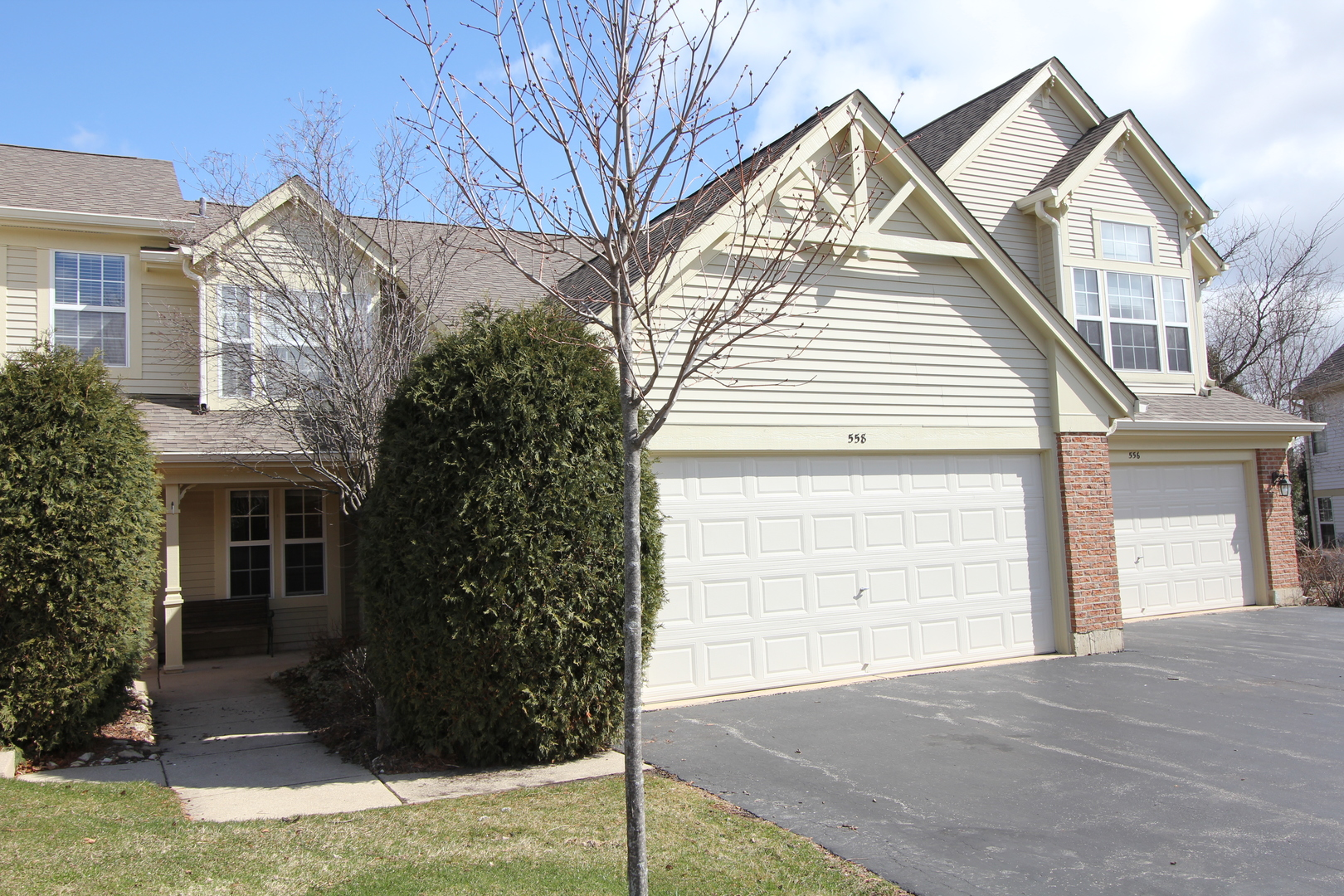 558 Portsmith Court, Crystal Lake, IL 60014