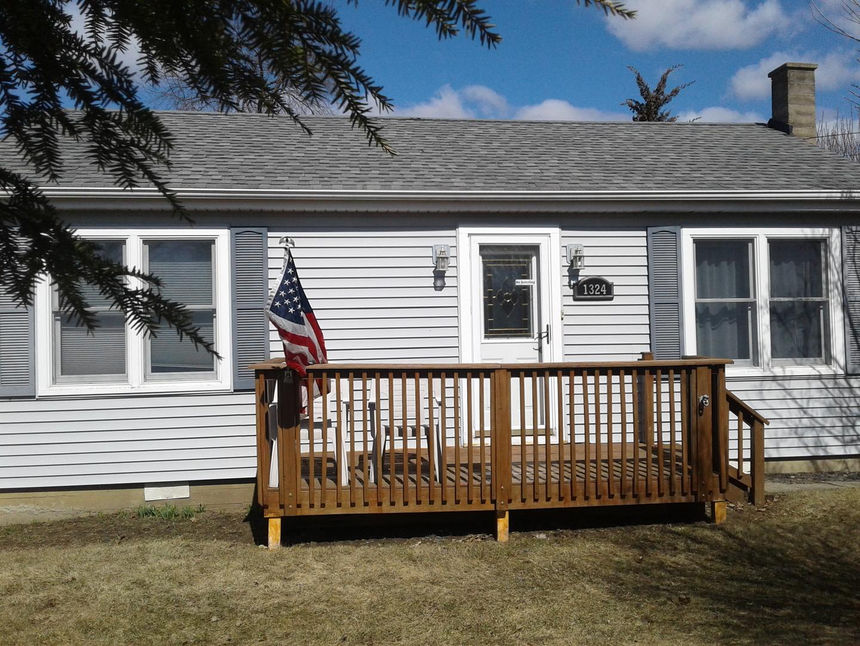 1324 Thornwood Lane, Crystal Lake, IL 60014