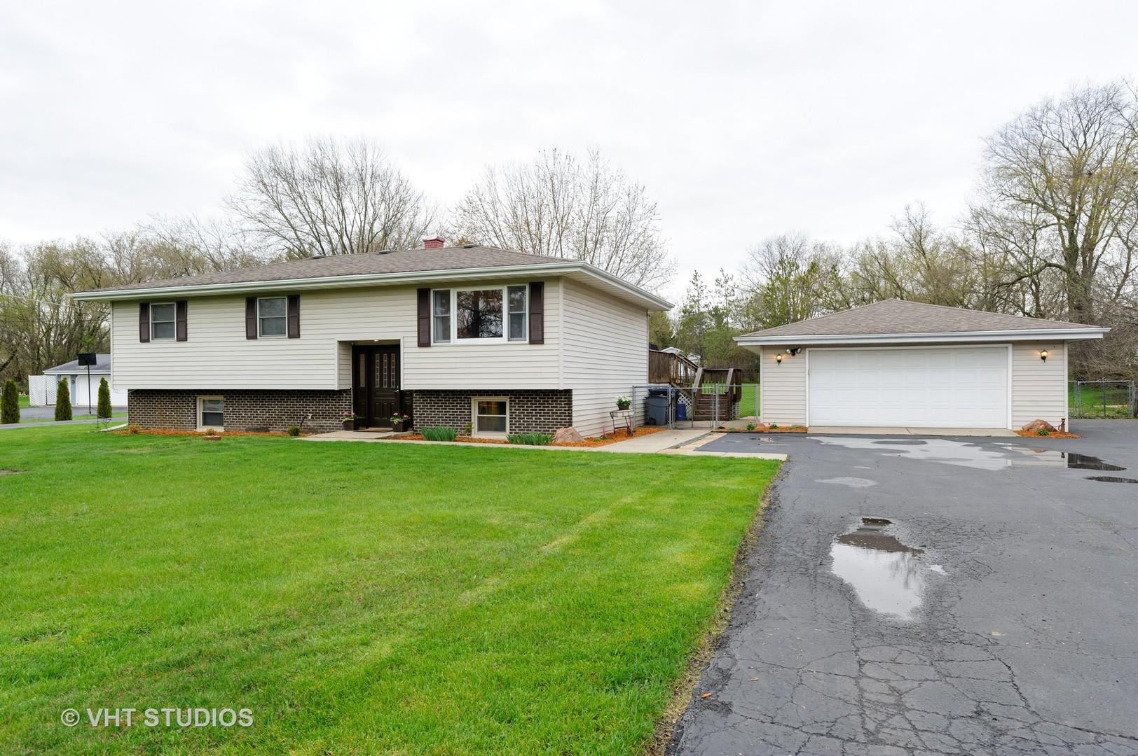 2211 N Ringwood Road, Mchenry, IL 60050