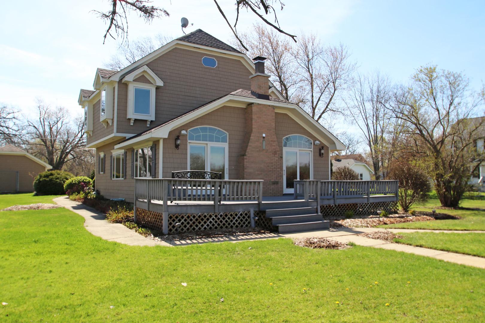 2705 N Villa Lane, Mchenry, IL 60051