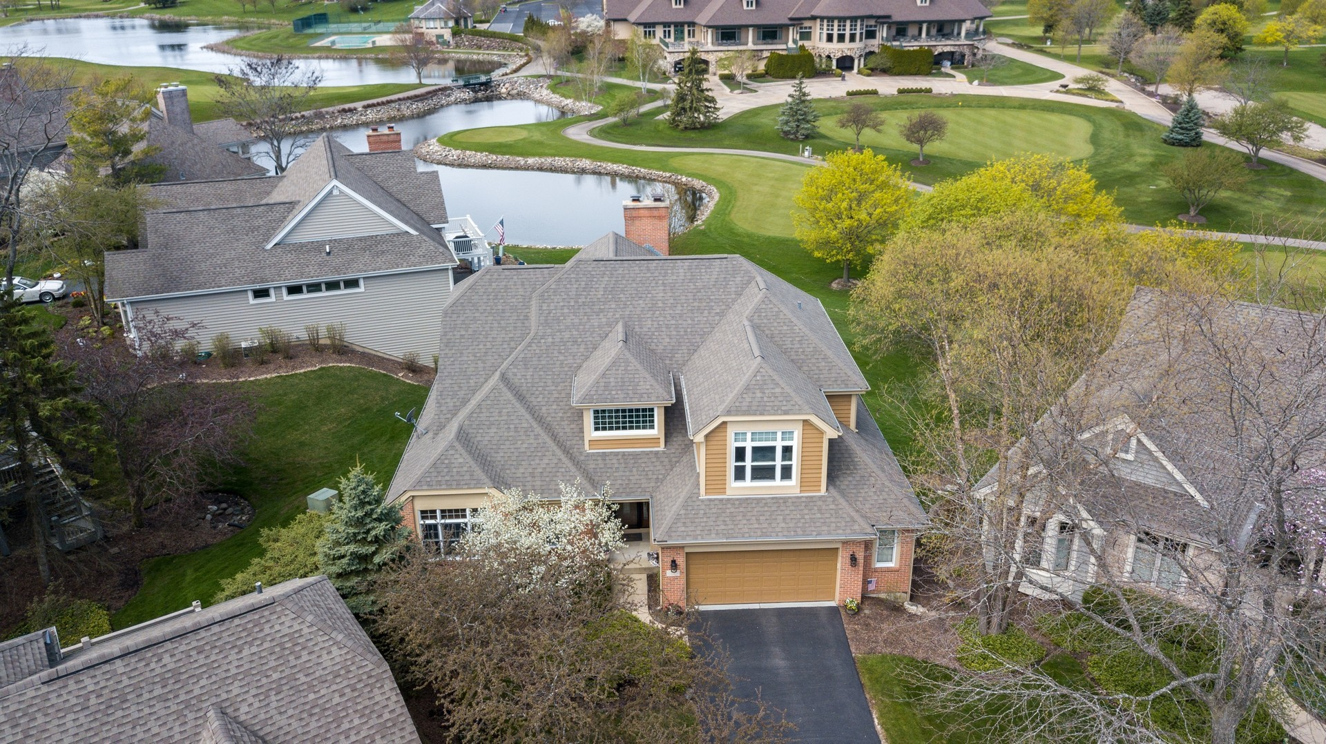 6 Castle Pines Court, Lake In The Hills, IL 60156
