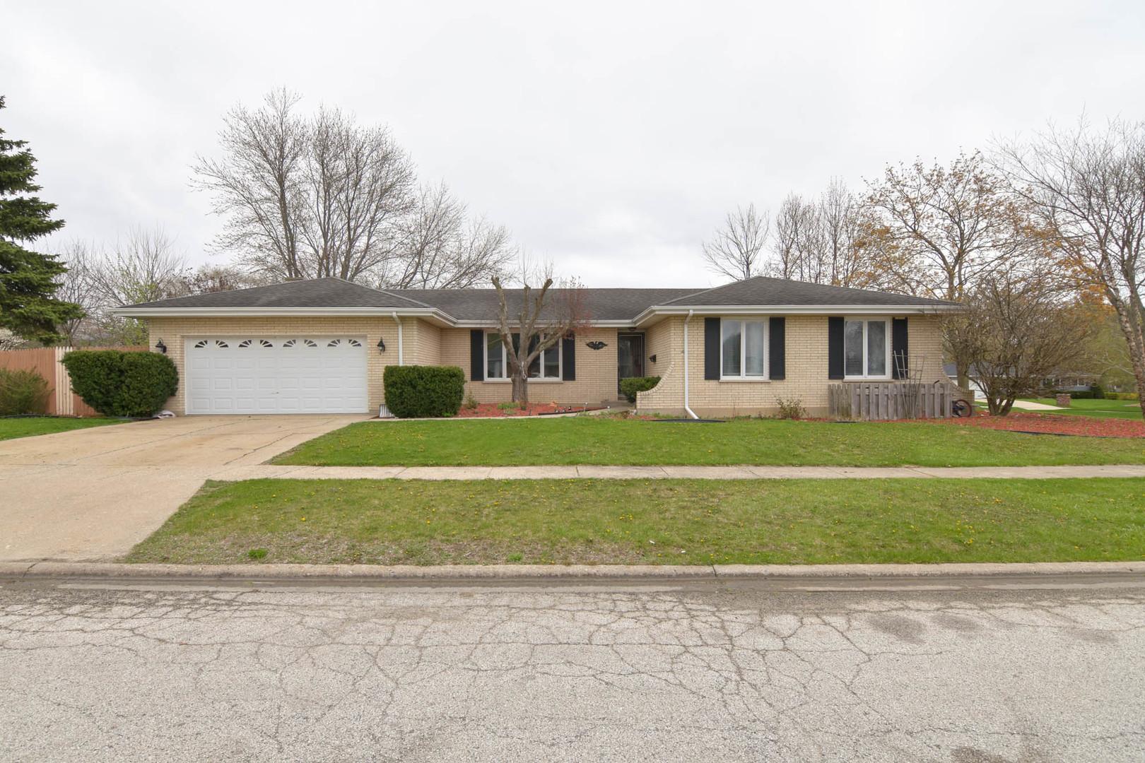 563 Hillside Avenue, Antioch, IL 60002