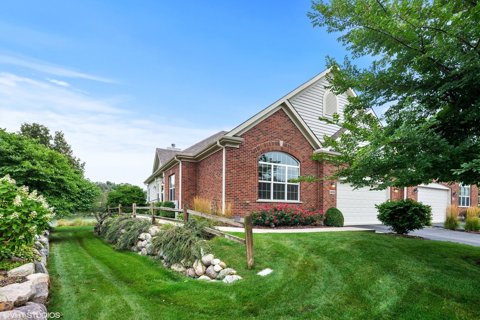 4115 Coyote Lakes Circle, Lake In The Hills, IL 60156