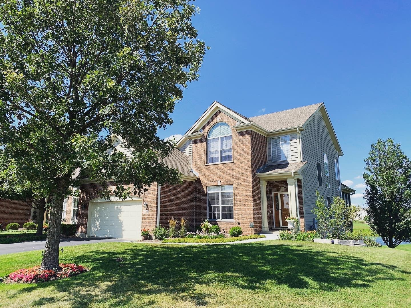 4400 Coyote Lakes Circle, Lake In The Hills, IL 60156