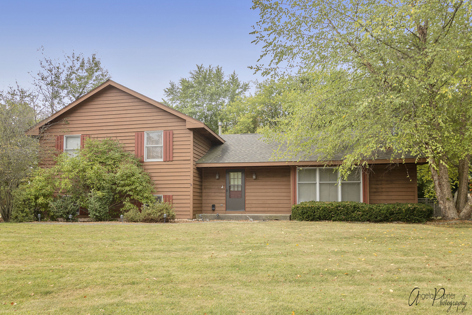 2317 Colby Point Road, Mchenry, IL 60050