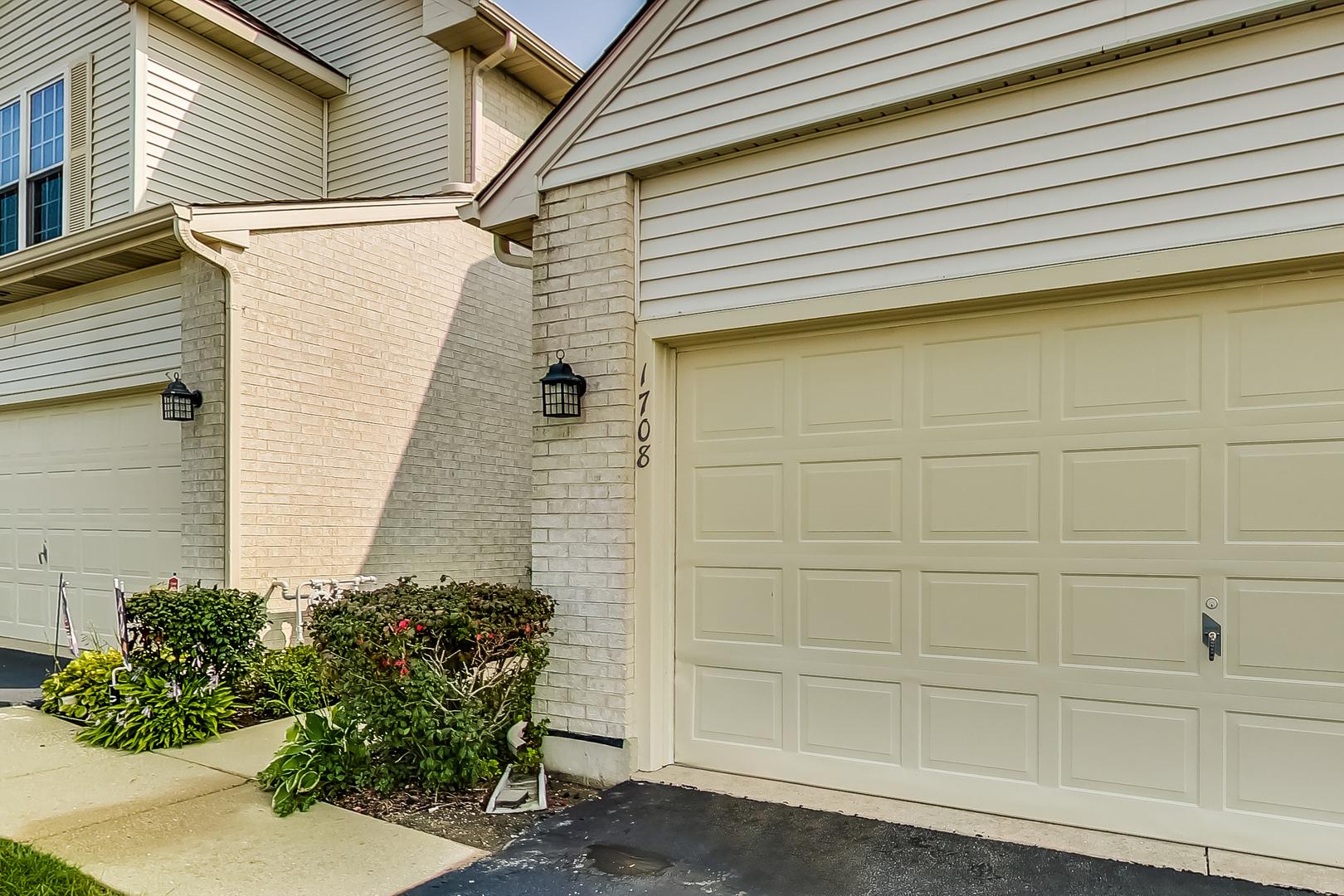 1708 Pine Street, Mchenry, IL 60051