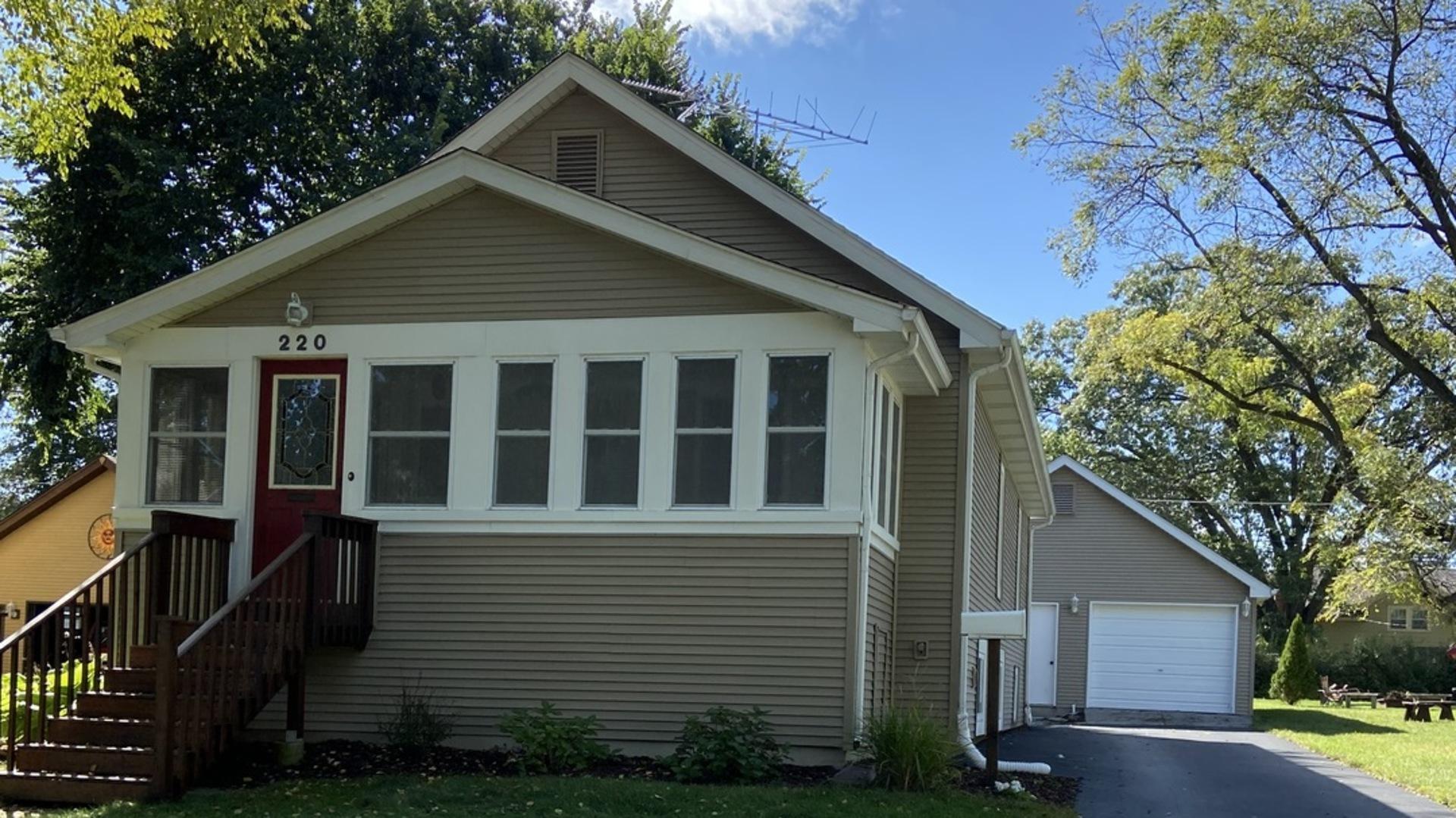 220 Illinois Street, Crystal Lake, IL 60014