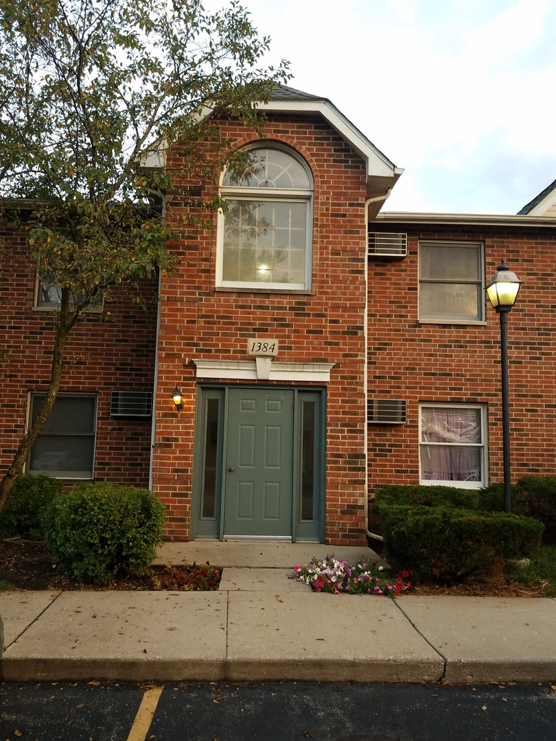 1384 Cunat Court, Lake In The Hills, IL 60156