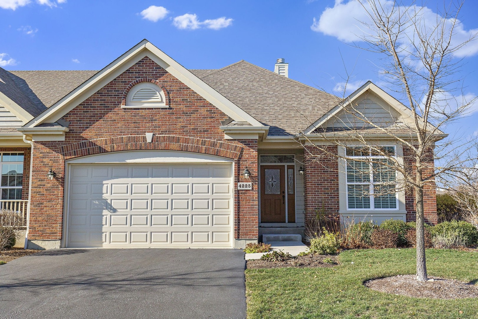 4225 Coyote Lakes Circle, Lake In The Hills, IL 60156