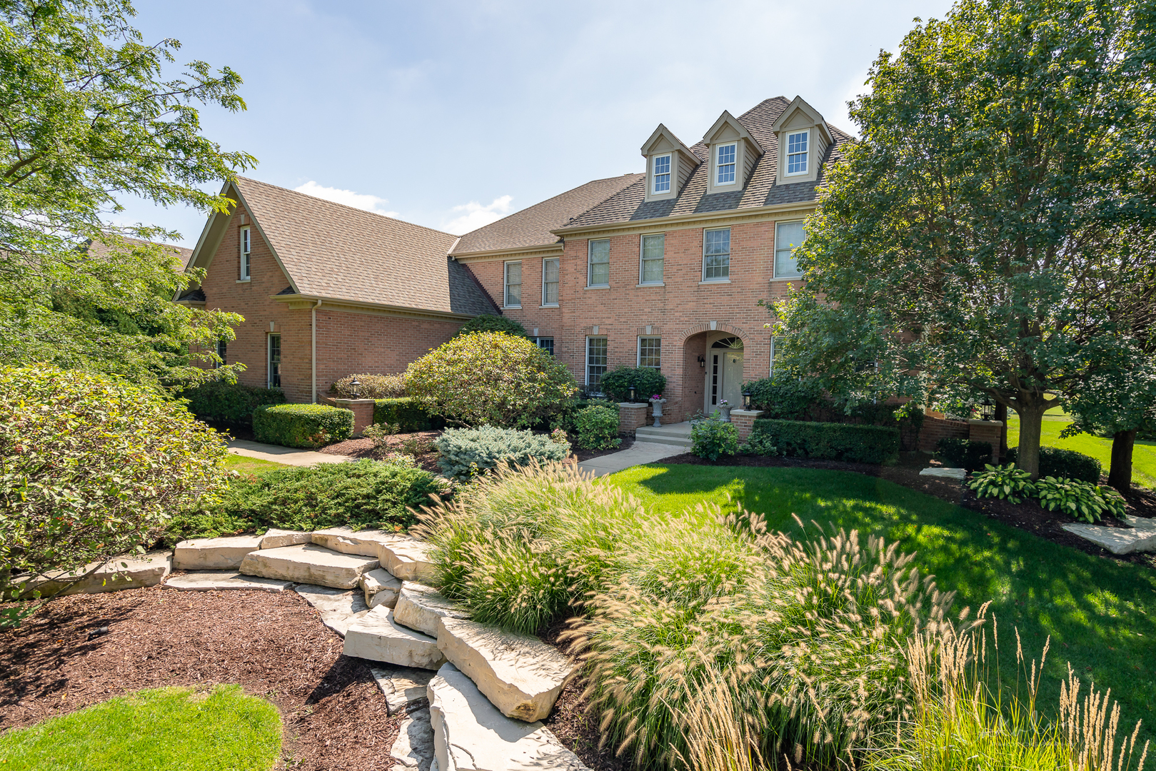121 Boulder Drive, Lake In The Hills, IL 60156