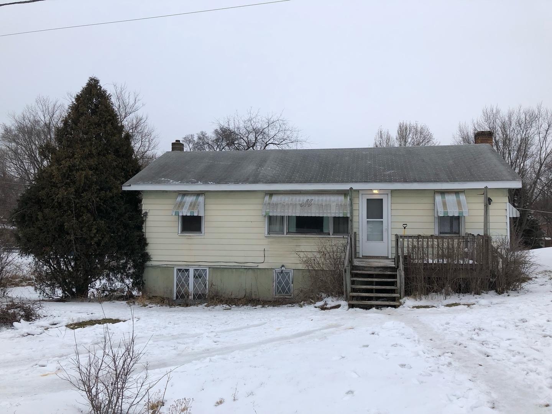 2318 Fairview Avenue, Fox River Grove, IL 60021