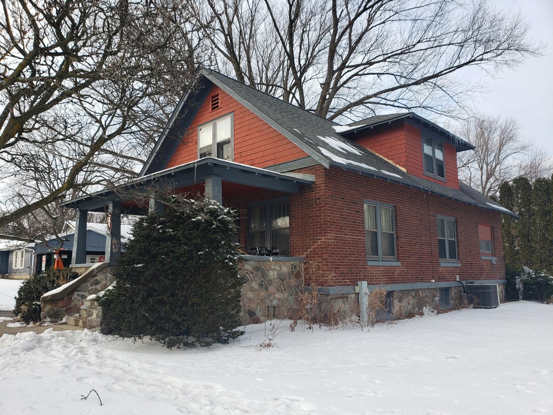 180 Terra Cotta Avenue, Crystal Lake, IL 60014
