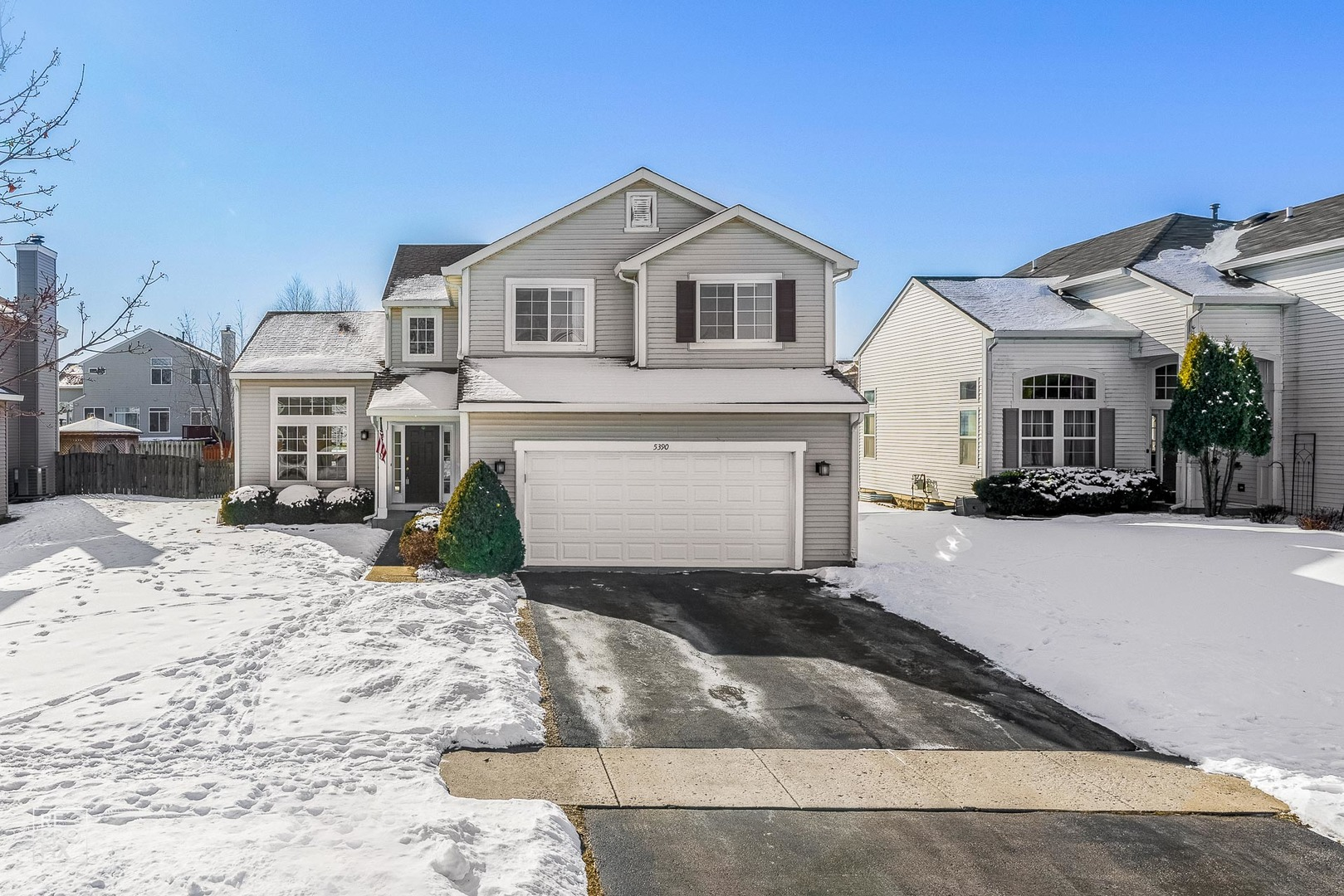 5390 Chancery Way, Lake In The Hills, IL 60156