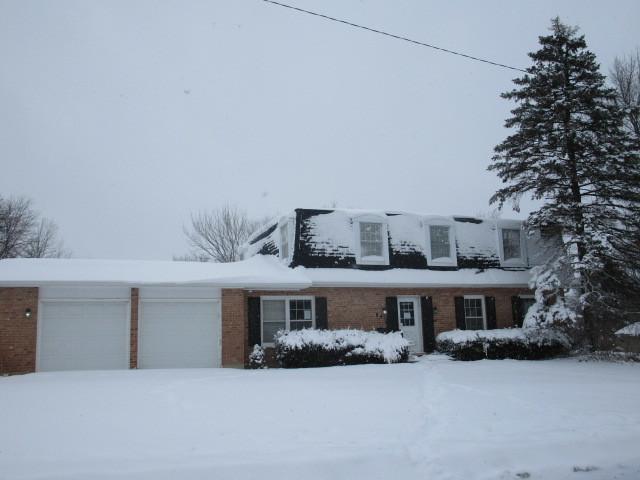 841 Grove Avenue, Barrington, IL 60010
