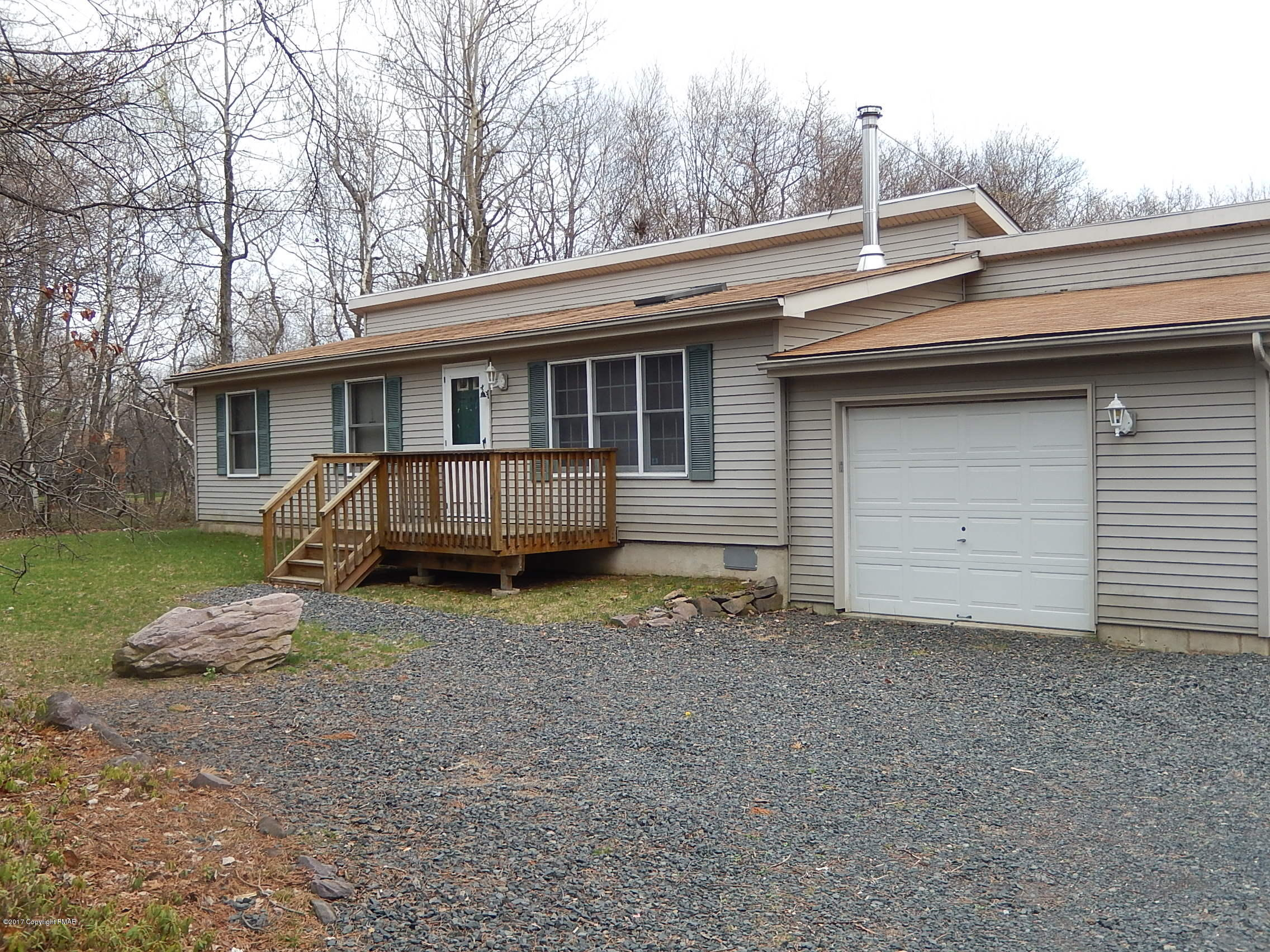 144 Lower Notch Rd, Albrightsville, PA 18210