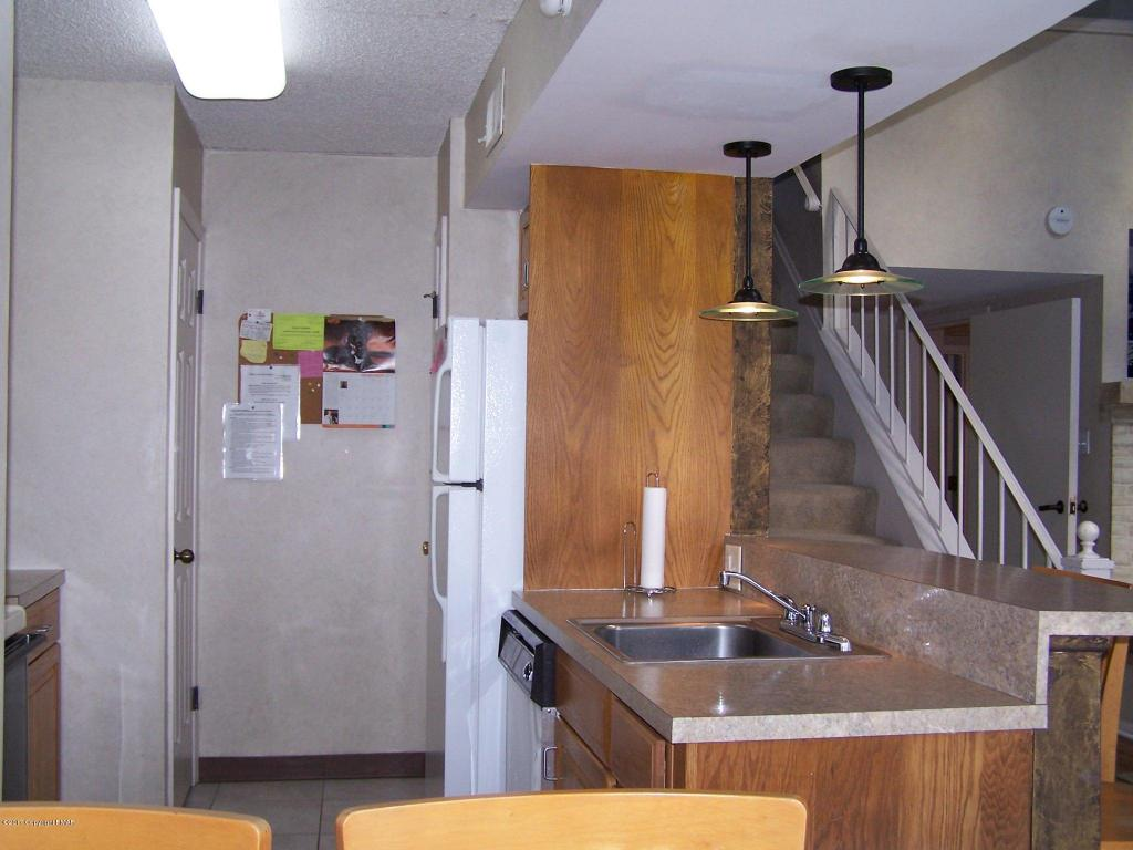 7 Unit 302 Midlake Dr, Lake Harmony, PA 18624