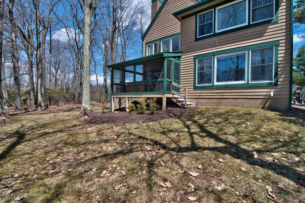 102 Fox Run, Buck Hill Falls, PA 18323