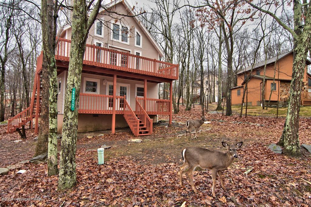3217 Woodchip Ln, East Stroudsburg, PA 18301