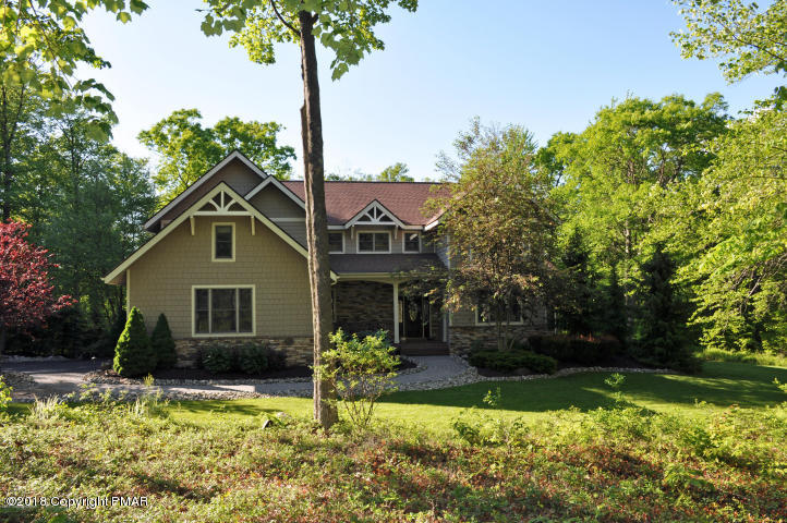 373 Wolf Hollow Rd, Lake Harmony, PA 18624