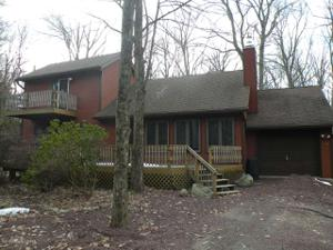 494 Moseywood Rd, Lake Harmony, PA 18624