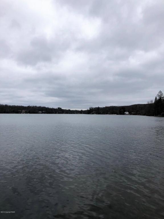 9 Estates Dr, Lake Harmony, PA 18624