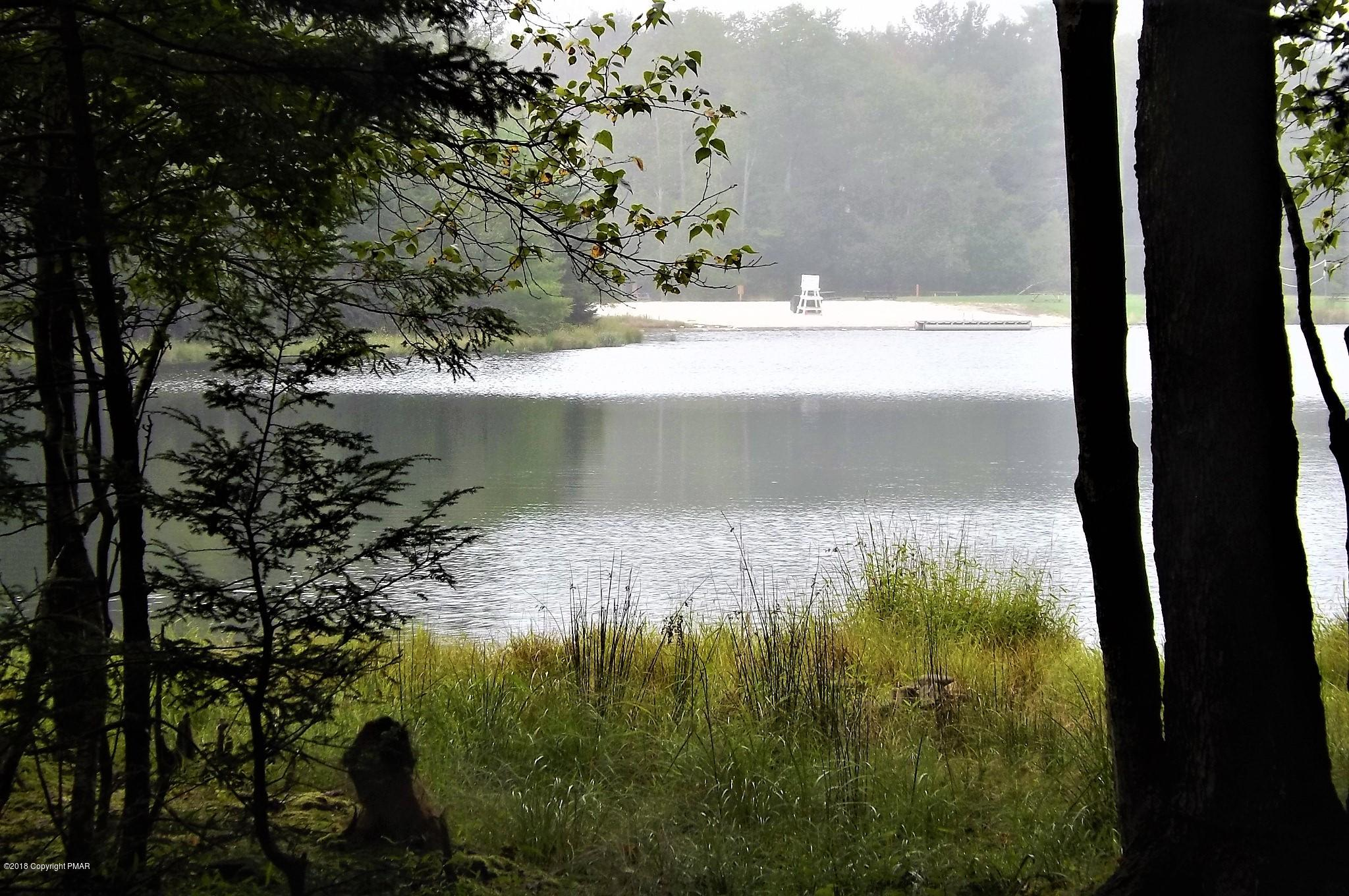 230 King Arthur Rd, Pocono Lake, PA 18347