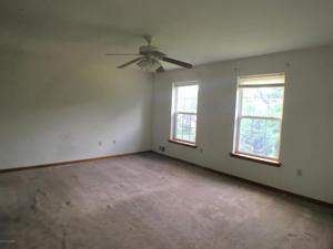 2048 Arlington Ave, Stroudsburg, PA 18360
