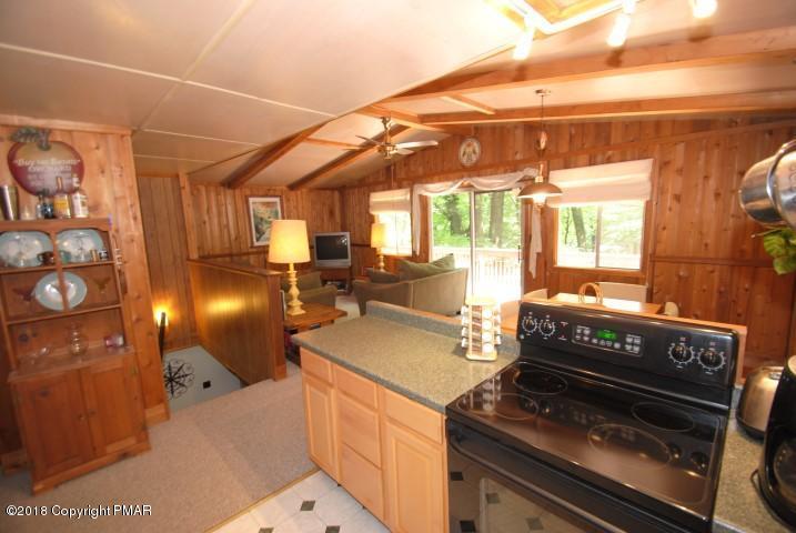 350 Fawn Rd, Pocono Lake, PA 18347