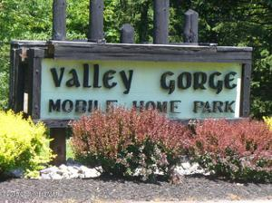 27 Valley Gorge Mobile Home Park, White Haven, PA 18661