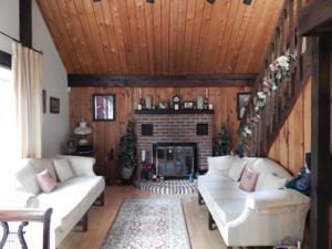 115 King Arthur Rd, Pocono Lake, PA 18347