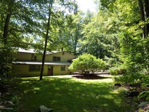 103 Tunkhannock Trl, Pocono Pines, PA 18350