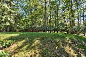 258 Tanglewood Dr, Pocono Pines, PA 18350