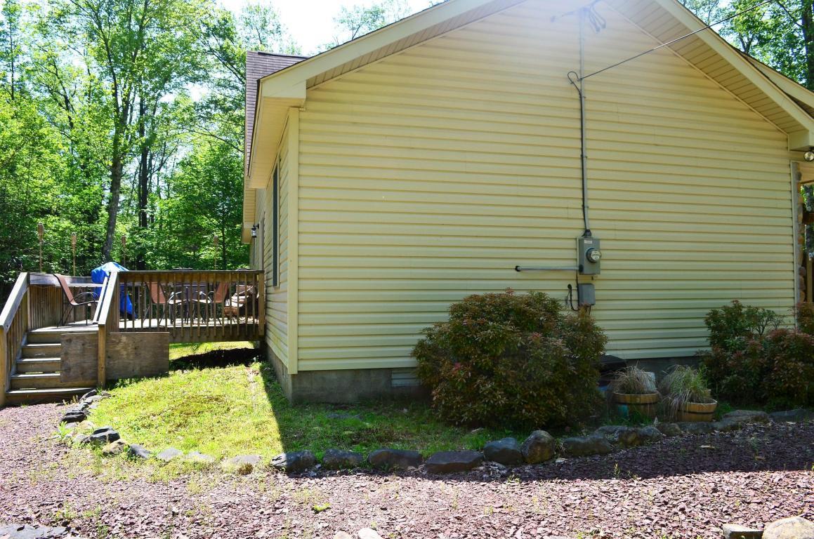 164 Cardinal Ln, Pocono Lake, PA 18347