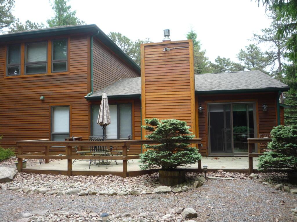 28 Hickory Rd., Lake Harmony, PA 18624