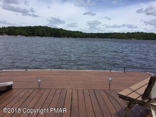 206 S Lake Dr, Lake Harmony, PA 18624