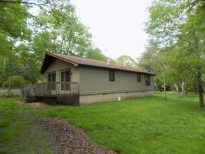 105 Motega Dr, Albrightsville, PA 18210