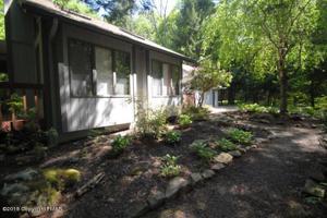 1360 Pine Cone Rd, Pocono Pines, PA 18350