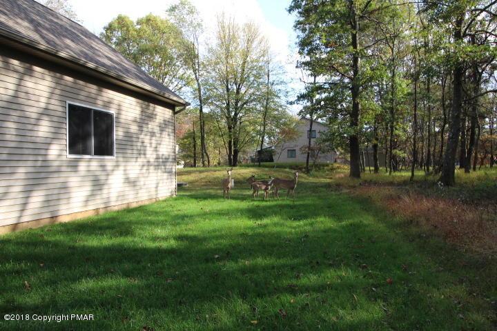 23 Eliot Ln, Albrightsville, PA 18210