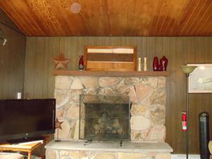20 Pineknoll Dr, Lake Harmony, PA 12864