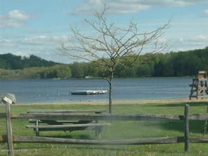 179 Mohican Trl, Pocono Lake, PA 18347