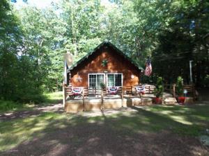 44 Lake Dr, White Haven, PA 18661