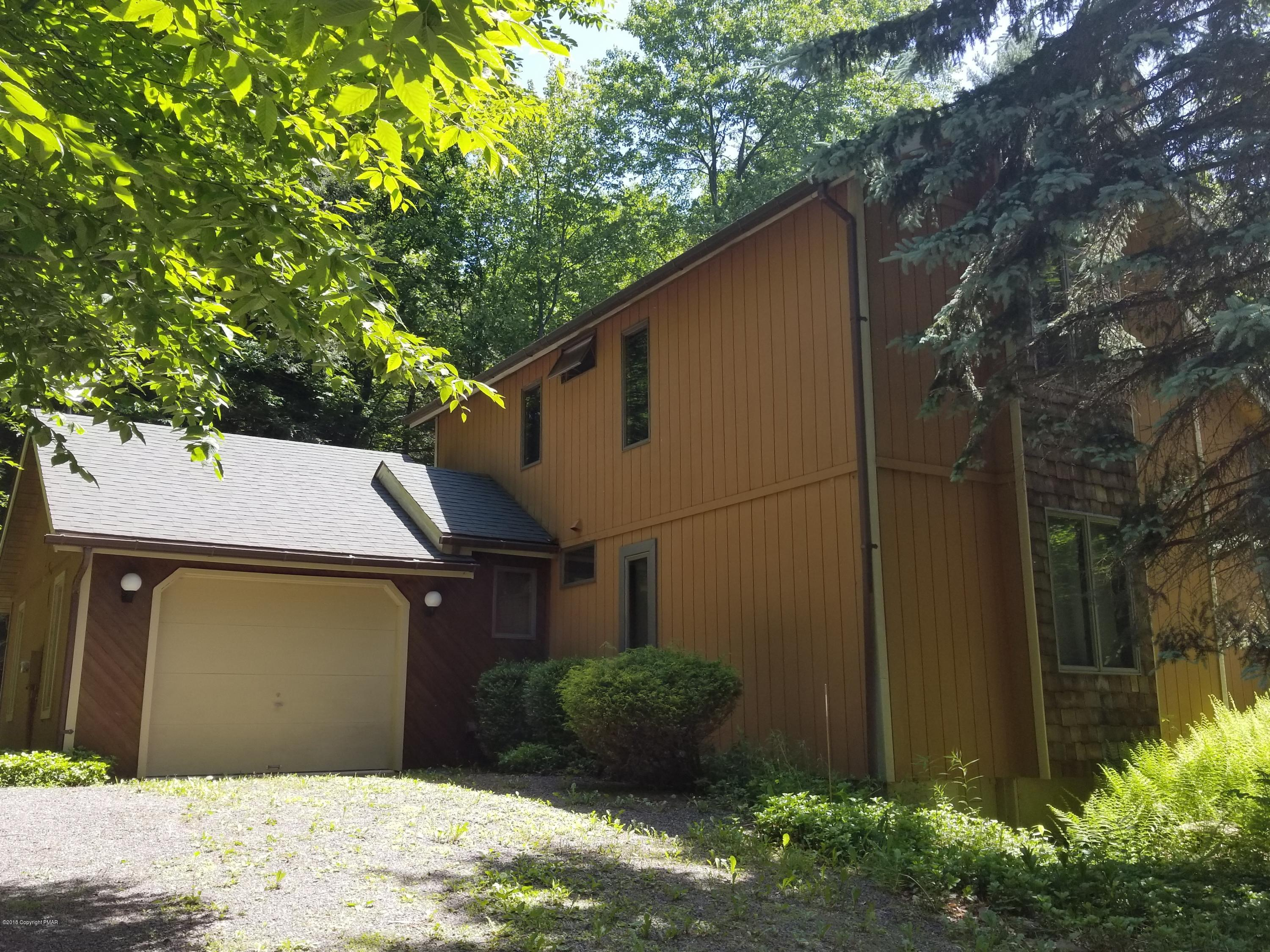 1243 Old Farm Rd, Blakeslee, PA 18610