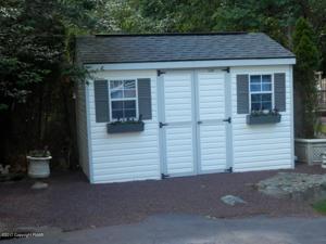 7121 Wisteria Ct, East Stroudsburg, PA 18301