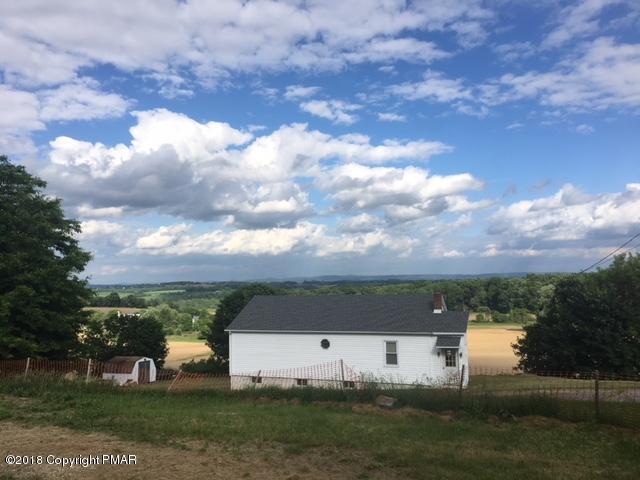 6366 Sullivan Trl, Wind Gap, PA 18091
