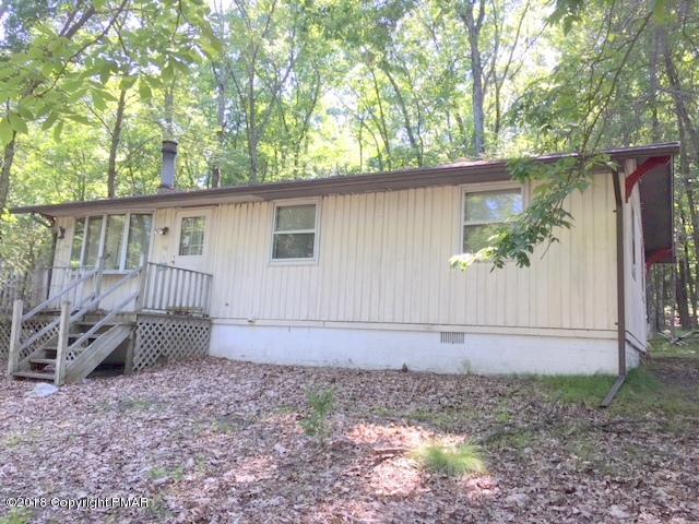 1085 Maple Lake Drive, Bushkill, PA 18324