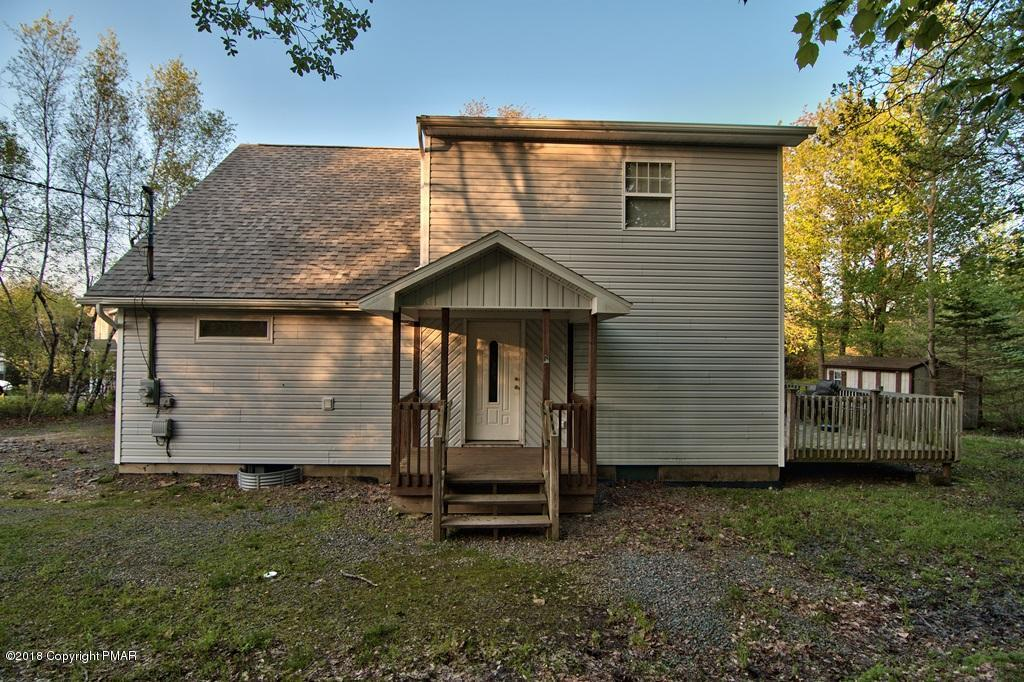 383 Clearview Dr, Long Pond, PA 18334